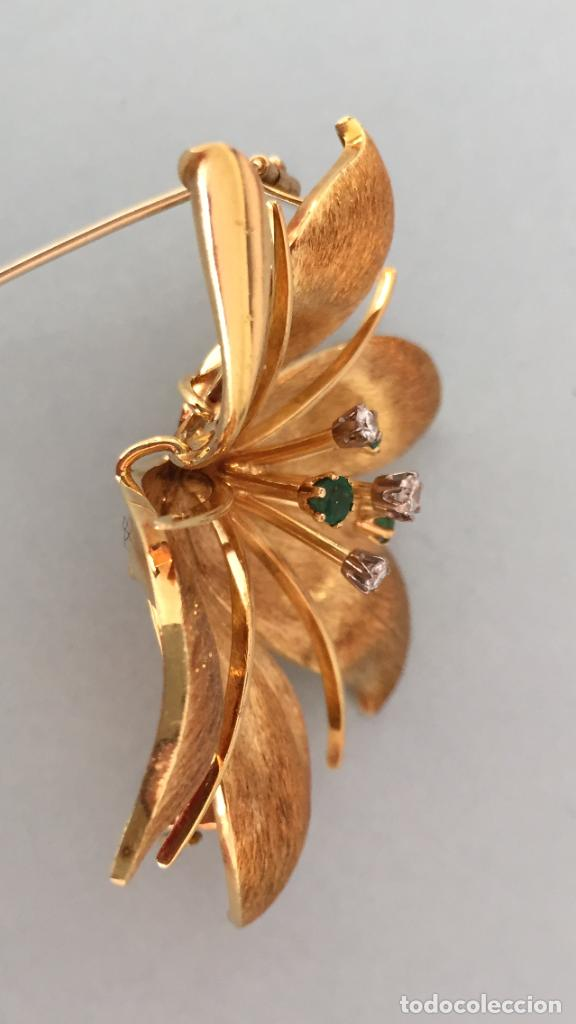 Joyeria: Broche de oro de 18 Kt. con diamantes y esmeraldas. - Foto 5 - 107655631