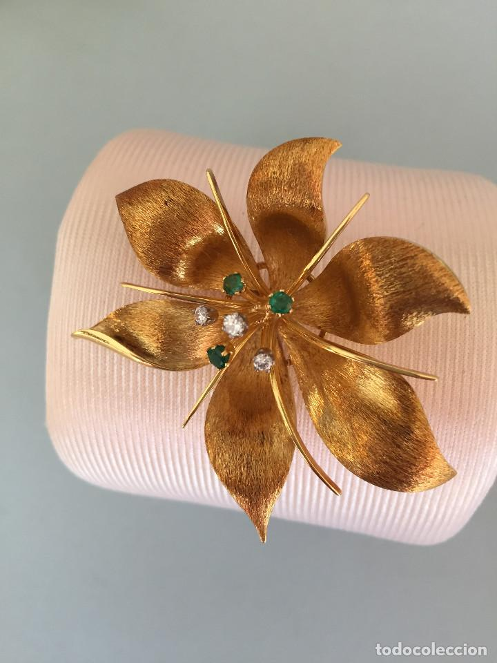 Joyeria: Broche de oro de 18 Kt. con diamantes y esmeraldas. - Foto 7 - 107655631