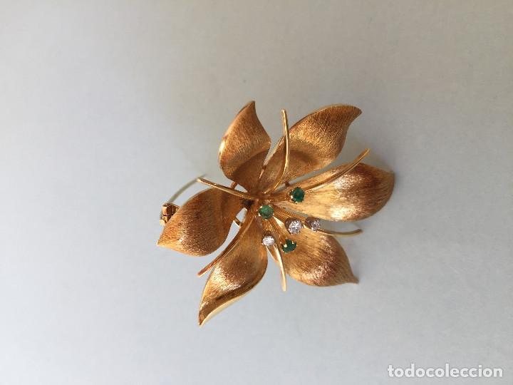 Joyeria: Broche de oro de 18 Kt. con diamantes y esmeraldas. - Foto 8 - 107655631