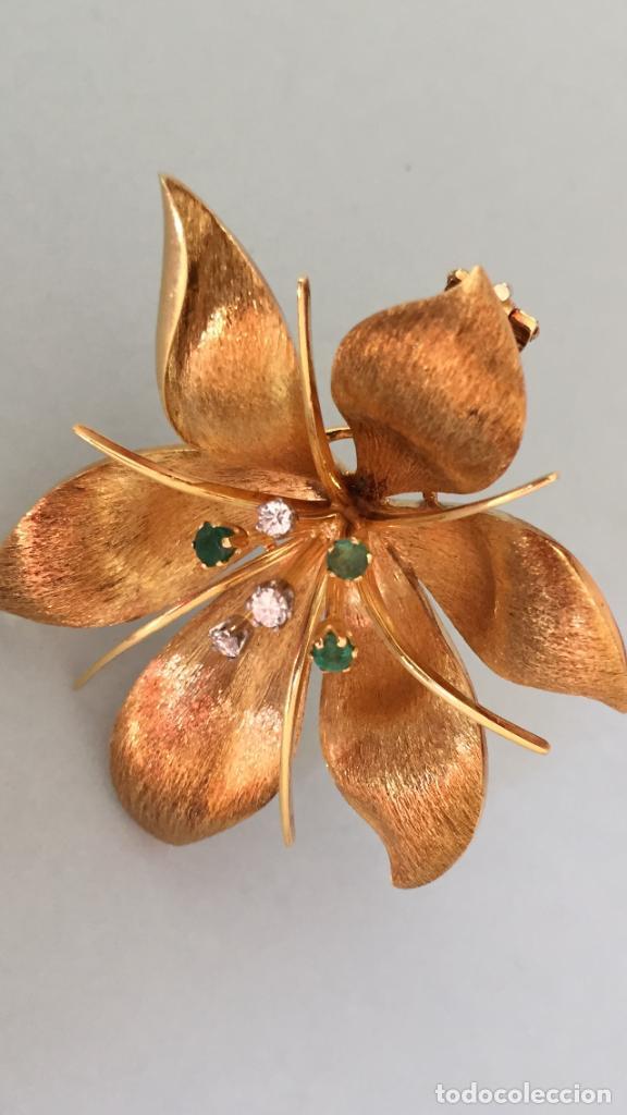 Joyeria: Broche de oro de 18 Kt. con diamantes y esmeraldas. - Foto 9 - 107655631