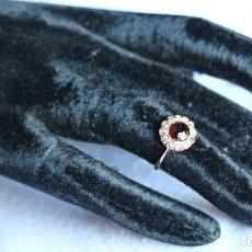 Joyeria - Anillo oro 18k, granate y brillantes de corte antiguo. 18K gold ring , grenate, antique cut diamonds - 109295787
