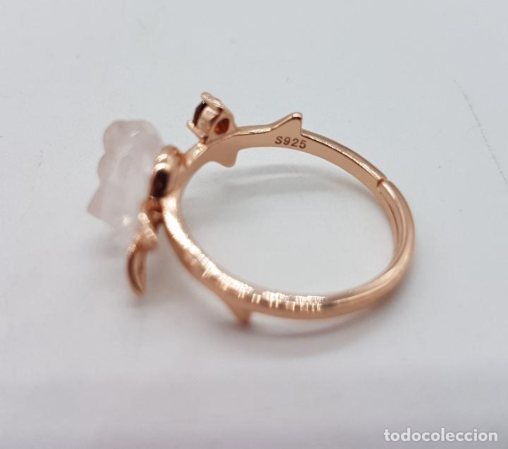 Joyeria: Bella sortija de estilo antiguo en plata de ley, oro de 18k, granate y cuarzo rosa en forma de rosa. - Foto 6 - 189780356