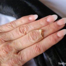 Joyeria: ANILLO DE NIÑA DE ORO CON PERLITA CULTIVADAP. CHILD´S GOLDEN RING WITH CULTIVATED PEARL.. Lote 110032623