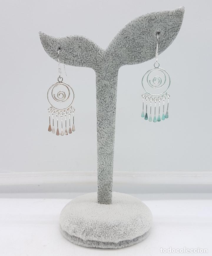 Joyeria: Pendientes vintage en plata de ley contrastada, en forma de espiral, con dijes colgando . - Foto 2 - 110573799