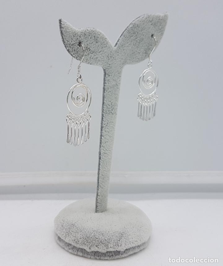 Joyeria: Pendientes vintage en plata de ley contrastada, en forma de espiral, con dijes colgando . - Foto 3 - 110573799