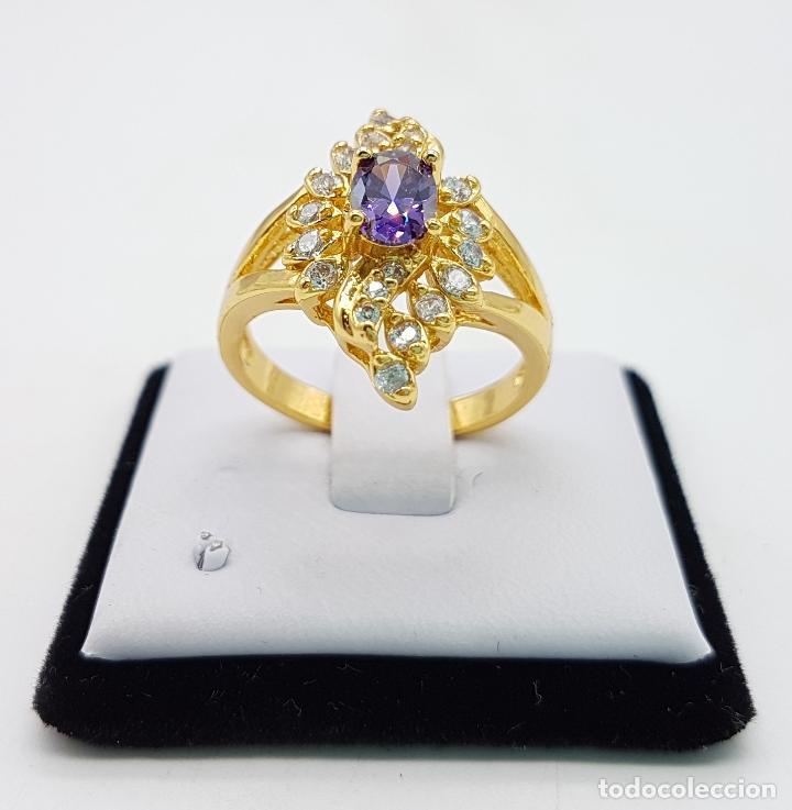 Joyeria: Sortija estilo Victoriano con baño de oro de 18k, circonitas talla brillante y amatista talla oval . - Foto 3 - 110579139