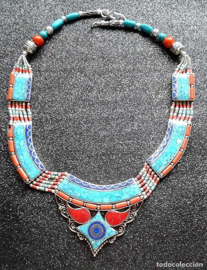 COLLAR GARGANTILLA TIBETANA O NEPALÍ CON TURQUESA CORAL Y LAPISLÁZULI (Joyería - Collares Antiguos)