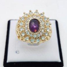 Jewelry - Anillo vintage tipo imperio con acabado en oro de 14k, amatista facetada y circonitas . - 111278979