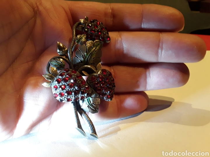 Joyeria: Broche noucentista en plata,vistas en oro, granates y esmalte verde. Principios s.XX - Foto 4 - 111497182