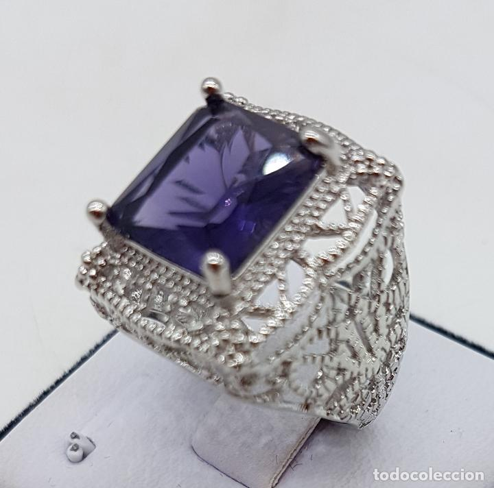 Joyeria: Excelente anillo de diseño calado con baño de plata de ley y zafiro sintético engarzado. - Foto 4 - 111773631