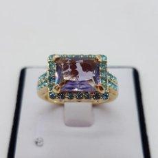 Jewelry - Anillo tipo art decó con acabado en oro de 14k, pavé en símil de aguamarinas y amatista . - 144553054