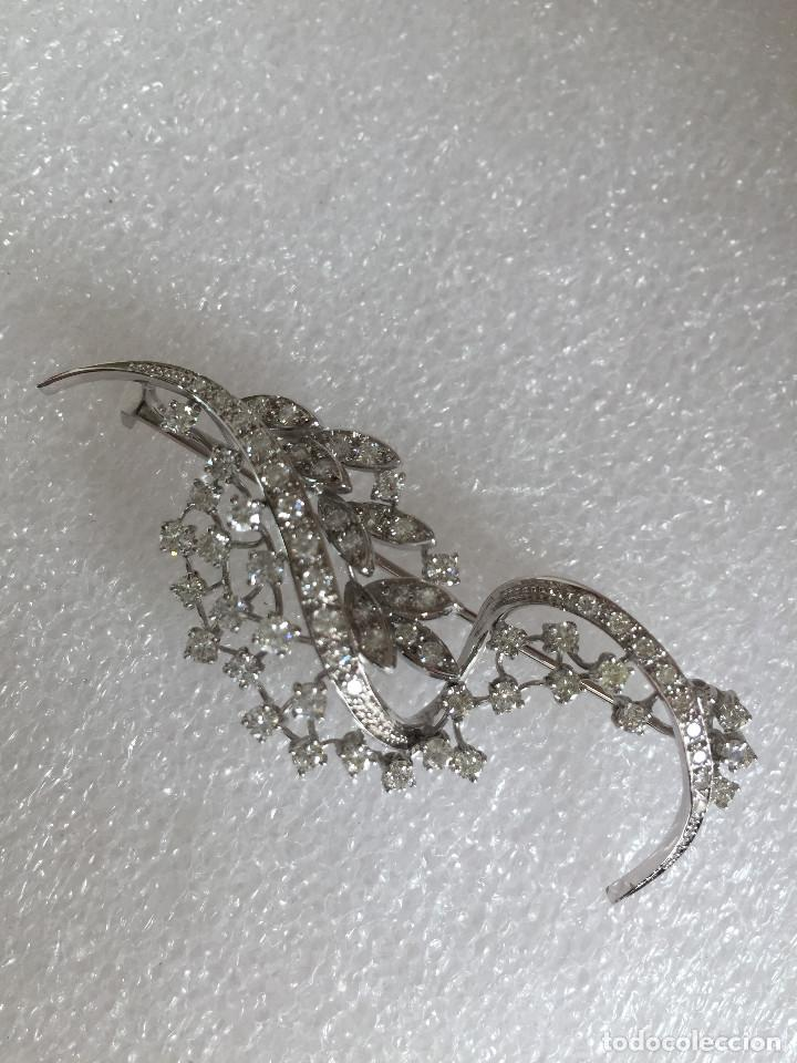 Joyeria: Broche de oro blanco de 18 Kt con Diamantes talla brillantes 2,53 ct - Foto 7 - 107656915