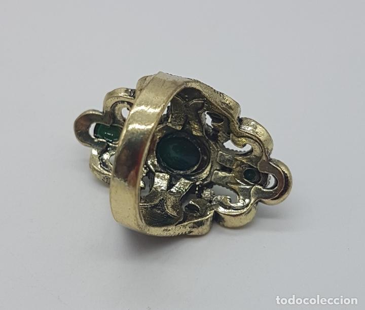Joyeria: Gran anillo tipo imperio turco con acabado en oro viejo, símil de esmeraldas y circonitas . - Foto 5 - 113951287