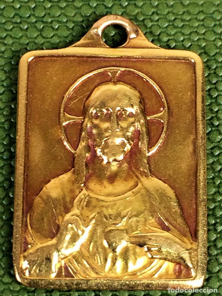 ESCAPULARIO. MEDALLA RELIGIOSA. ORO 9K. ESPAÑA. SIGLO XIX-XX (Joyería - Colgantes Antiguos)