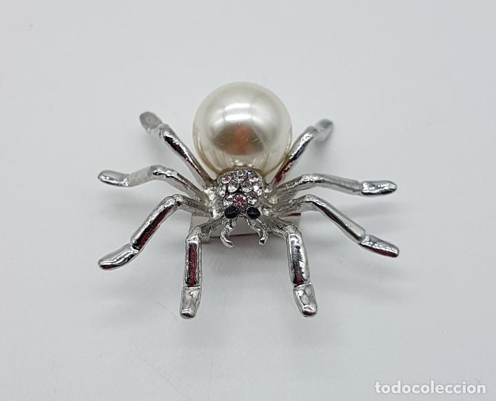 Joyeria: Broche de araña estilo art decó con símil de perla, circonitas y acabado en plata de ley . - Foto 3 - 115369107