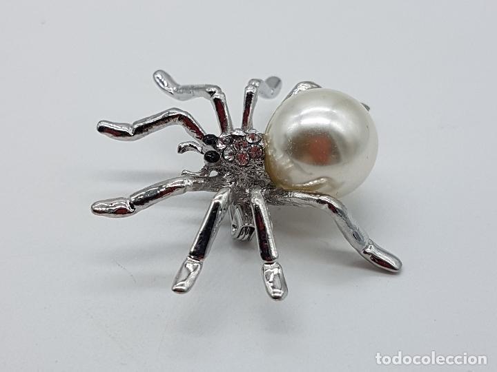 Joyeria: Broche de araña estilo art decó con símil de perla, circonitas y acabado en plata de ley . - Foto 4 - 115369107