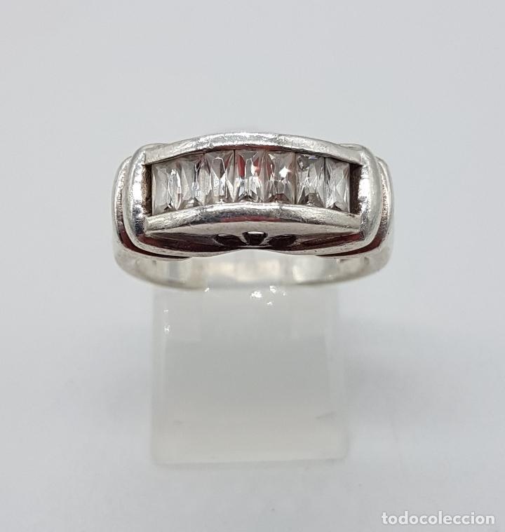 Joyeria: Bella sortija vintage tipo pedida en plata de ley contrastada y circonitas talla baguette . - Foto 3 - 115379727
