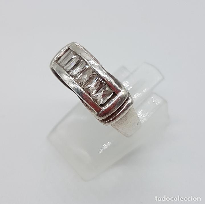 Joyeria: Bella sortija vintage tipo pedida en plata de ley contrastada y circonitas talla baguette . - Foto 4 - 115379727