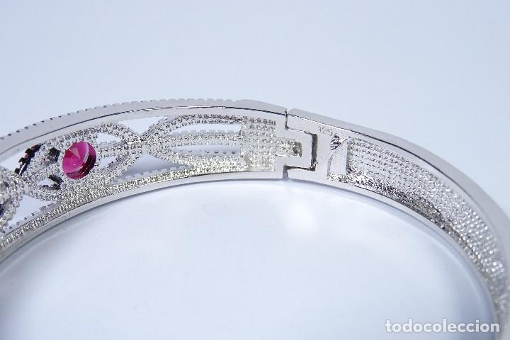Joyeria: Pulsera tipo brazalete rígido en plata 925, con granates en talla brillante - Foto 3 - 247353120
