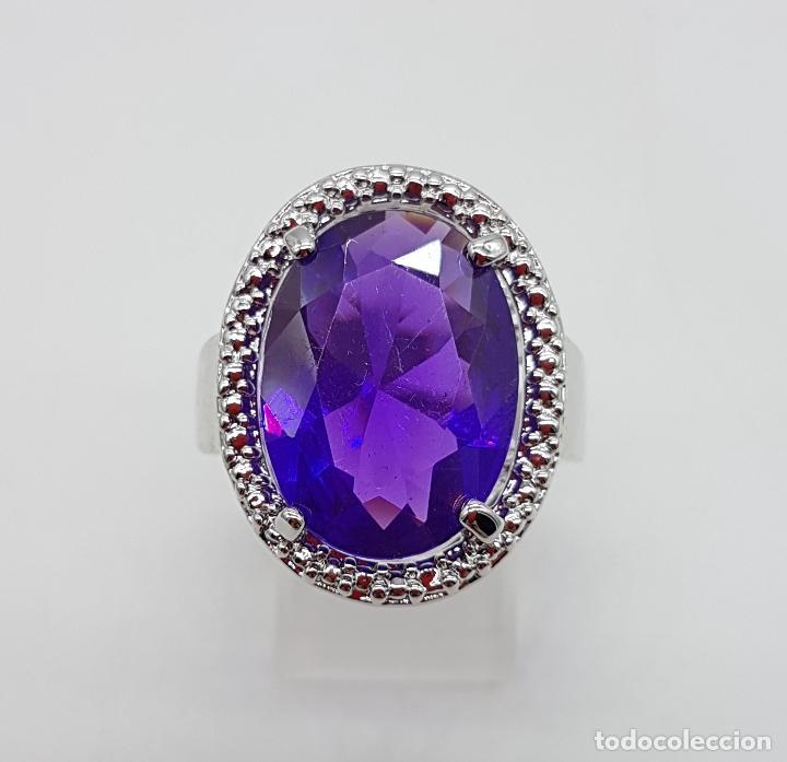 Joyeria: Gran anillo chapado en plata de ley contrastada con símil de amatista talla oval . - Foto 2 - 128017291