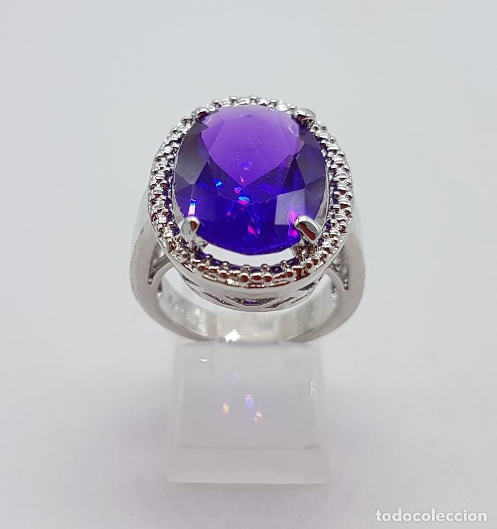 Joyeria: Gran anillo chapado en plata de ley contrastada con símil de amatista talla oval . - Foto 4 - 128017291