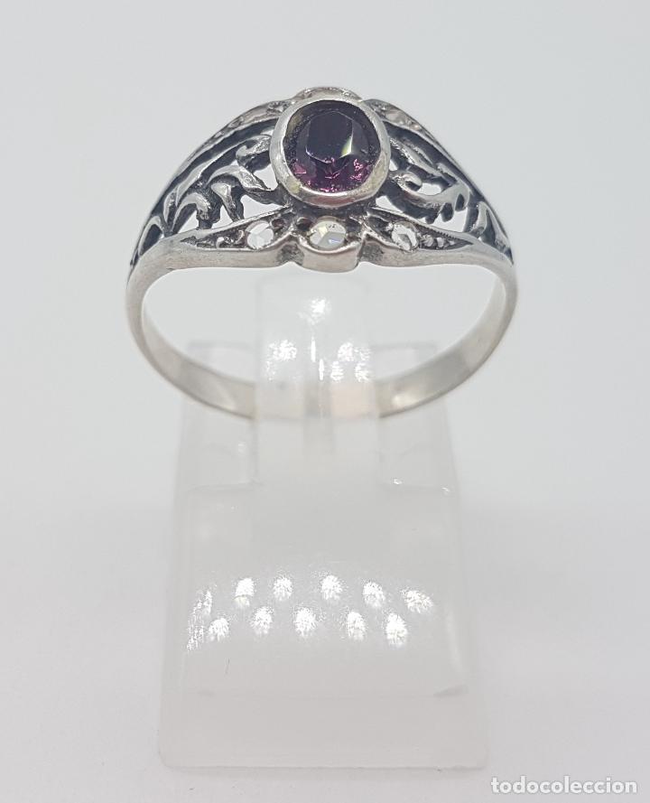 Joyeria: Sortija victoriana en plata de ley punzonada, amatista talla oval y circonitas talla brillante . - Foto 2 - 116907183