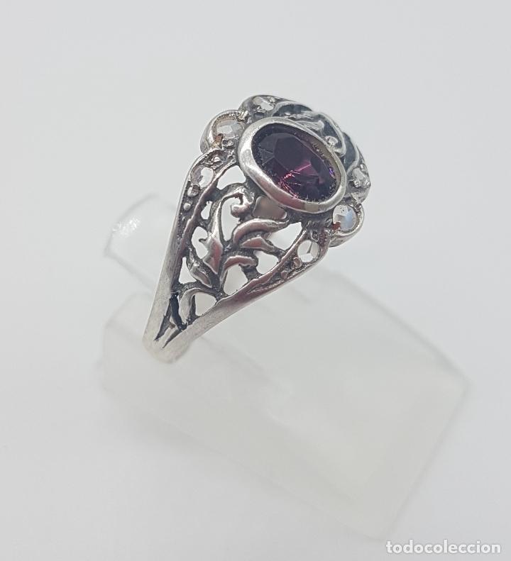 Joyeria: Sortija victoriana en plata de ley punzonada, amatista talla oval y circonitas talla brillante . - Foto 3 - 116907183