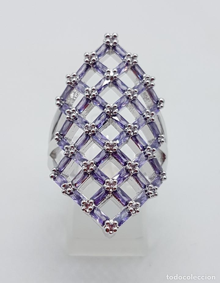 Joyeria: Gran anillo de plata de ley con celosía de amatistas talla baguette y circonitas talla brillante . - Foto 3 - 144709618
