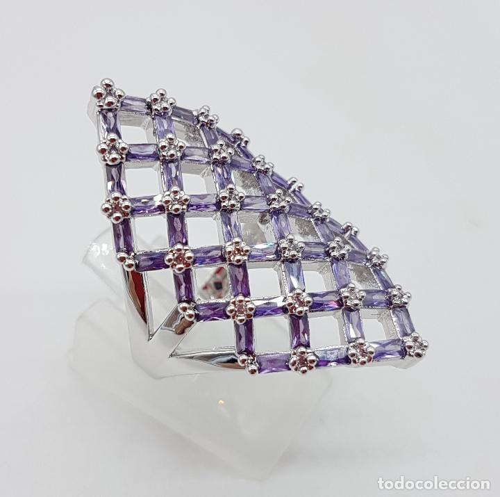 Joyeria: Gran anillo de plata de ley con celosía de amatistas talla baguette y circonitas talla brillante . - Foto 4 - 144709618