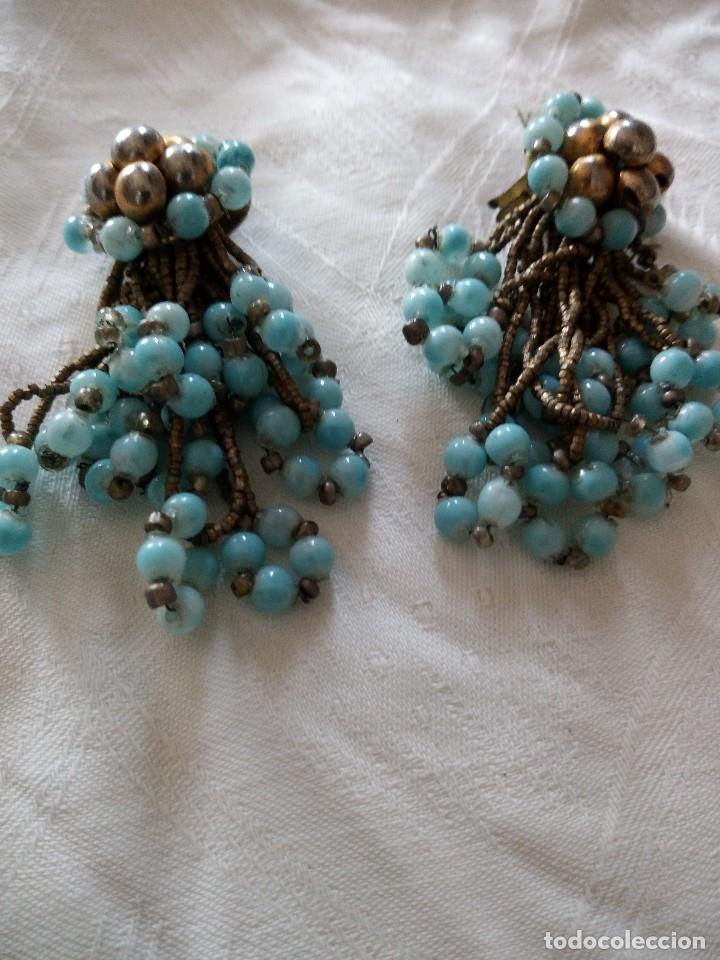 Joyeria: antiguos pendientes de color turquesa de plástico y hilo de metal ,años 70-80 - Foto 3 - 118665235