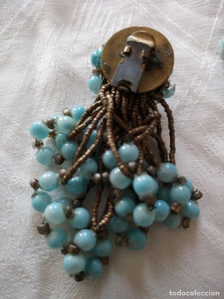 Joyeria: antiguos pendientes de color turquesa de plástico y hilo de metal ,años 70-80 - Foto 4 - 118665235