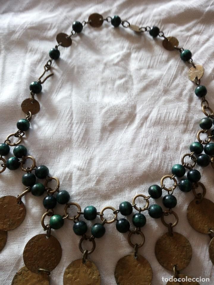 Joyeria: Preciosa gargantilla de medallas de latón y cuentas de pvc verde. ideal para grabaciones egipcias. - Foto 4 - 118666819