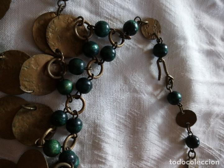 Joyeria: Preciosa gargantilla de medallas de latón y cuentas de pvc verde. ideal para grabaciones egipcias. - Foto 5 - 118666819