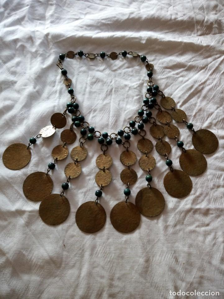 Joyeria: Preciosa gargantilla de medallas de latón y cuentas de pvc verde. ideal para grabaciones egipcias. - Foto 6 - 118666819