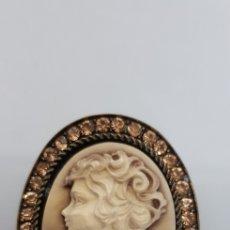 Joyeria: BONITO BROCHE MACAFEO 5X4CM CON BRILLANTITOS. Lote 118943882