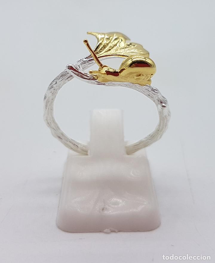 Joyeria: Sortija de diseño original en forma de rama de plata de ley con hoja y caracol en oro de ley de 18k - Foto 3 - 158637094