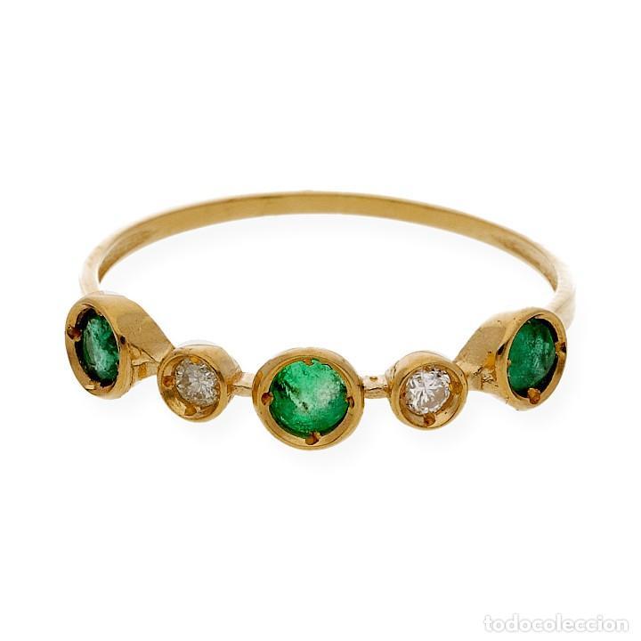 Joyeria: Anillo Diamantes y Esmeraldas en Oro de Ley 18k - Foto 2 - 215524202