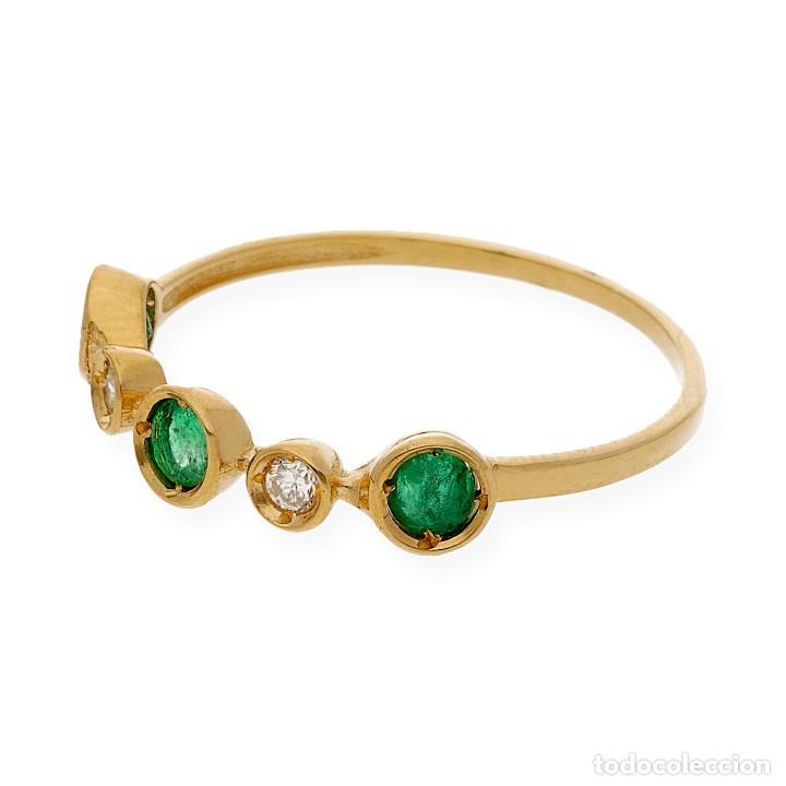 Joyeria: Anillo Diamantes y Esmeraldas en Oro de Ley 18k - Foto 3 - 215524202