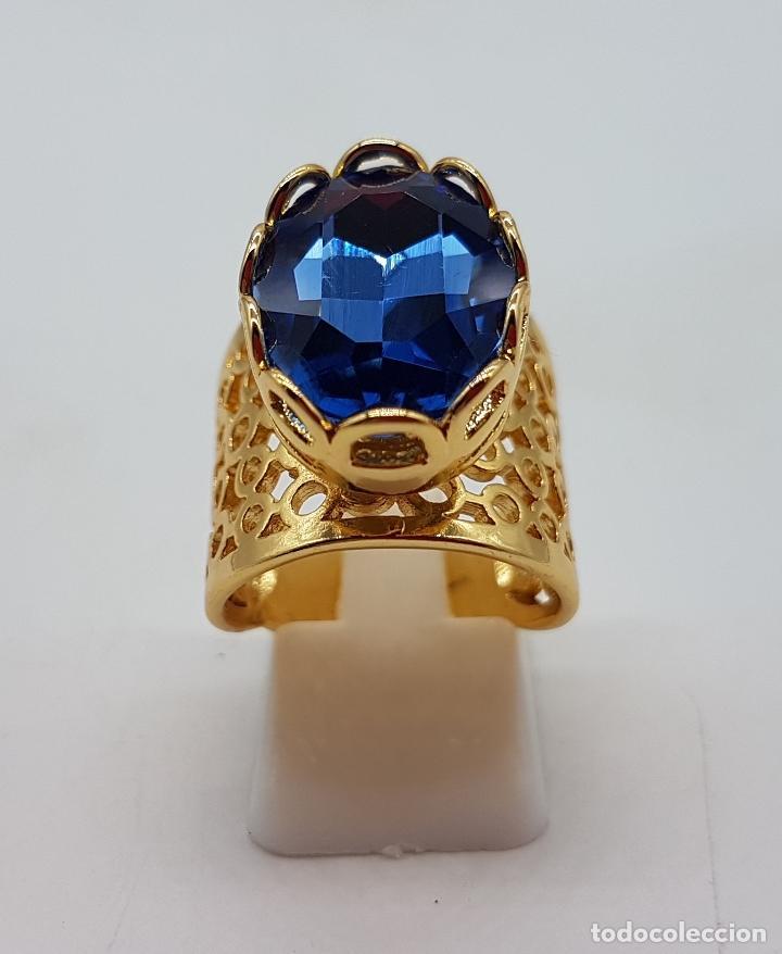 Joyeria: Gran anillo calado chapado en oro de 14k con topacio azul profundo creado talla oval facetado . - Foto 2 - 171471932