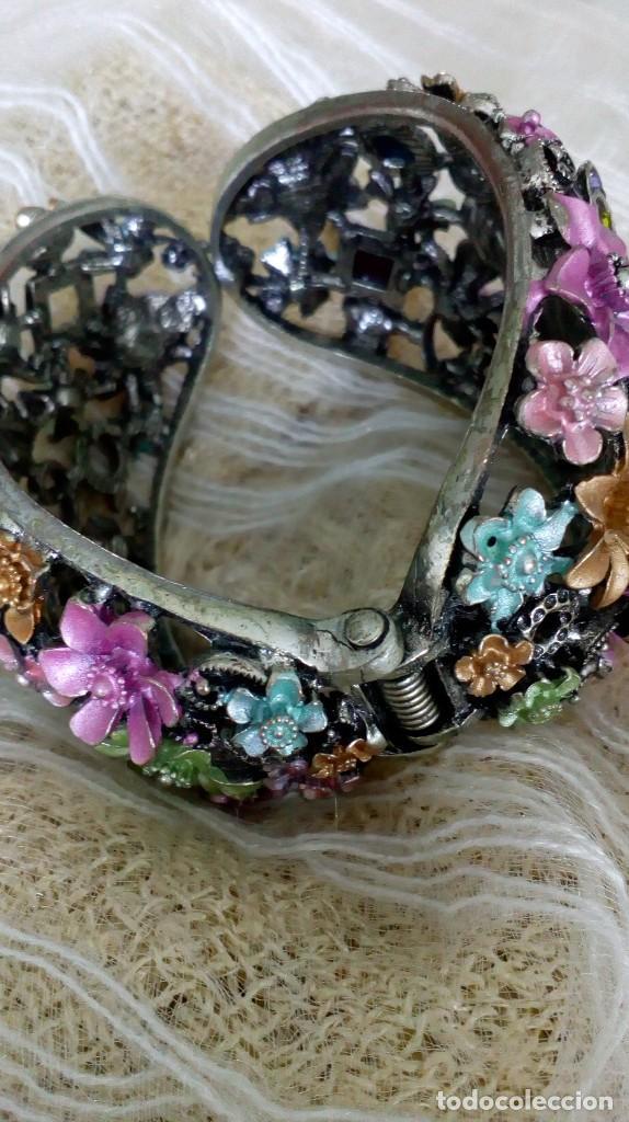 Joyeria: Alegre brazalete de pedrería de colores con mariposas - Foto 2 - 125269155