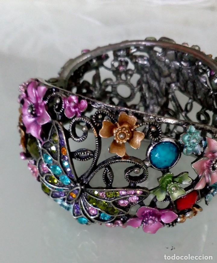 Joyeria: Alegre brazalete de pedrería de colores con mariposas - Foto 4 - 125269155