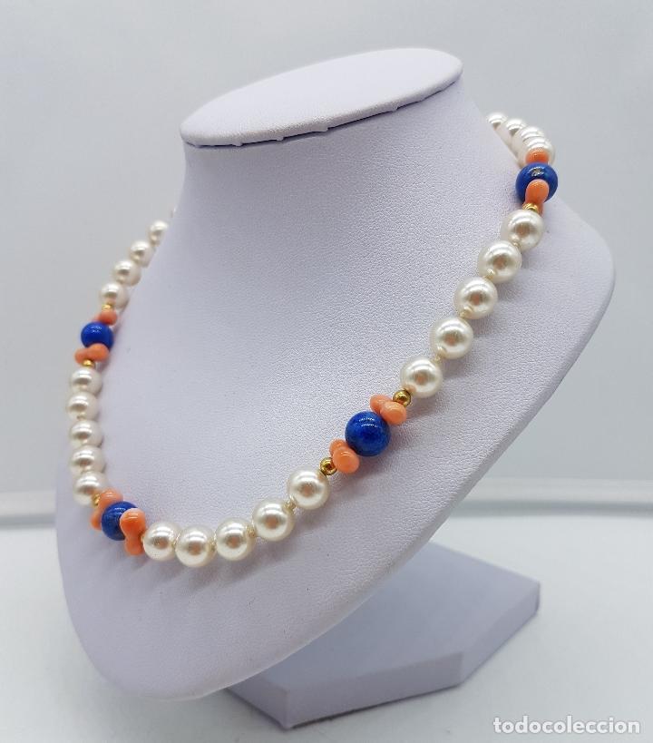 Joyeria: Gargantilla antigua de perlas con cuentas de coral piel de ángel y lapistázuli, cierre de plata . - Foto 2 - 126950831