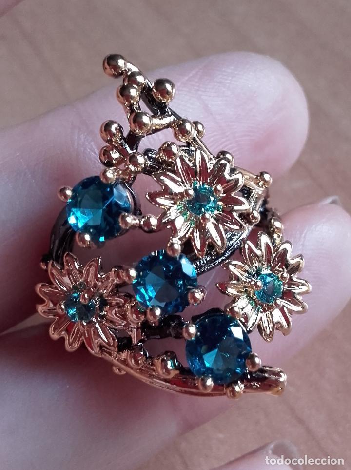 Joyeria: Anillo / sortija estilo vintage, con topacios azul suizo y motivos botánicos en plata 925. Talla 19. - Foto 4 - 127452359