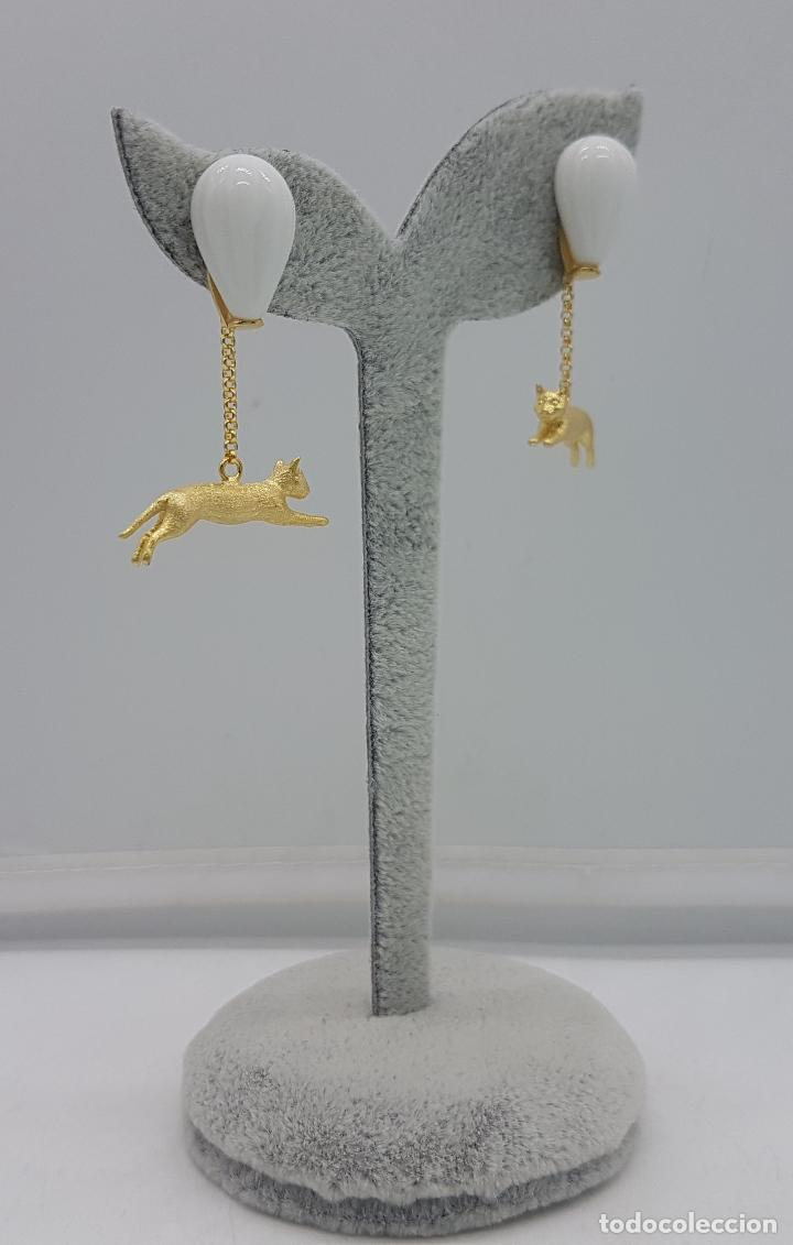 Joyeria: Pendientes hechos a mano de estilo grotesco en plata de ley con forma de gatos bañados en oro. - Foto 5 - 127639447