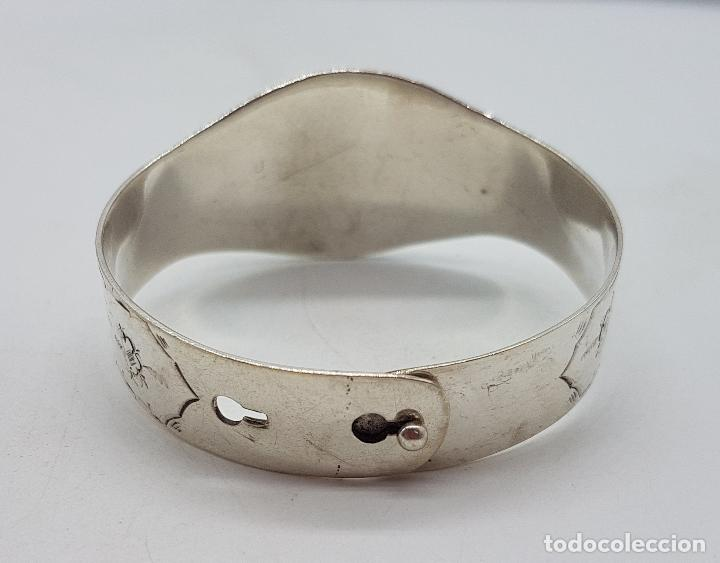 Joyeria: Brazalete antiguo de estilo Victoriano en plata de ley bellamente cincelado a mano . - Foto 3 - 128140787