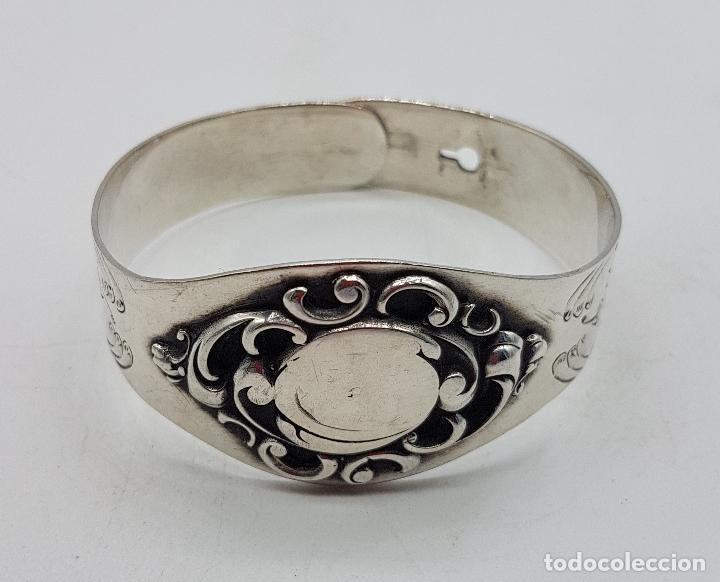 Joyeria: Brazalete antiguo de estilo Victoriano en plata de ley bellamente cincelado a mano . - Foto 5 - 128140787