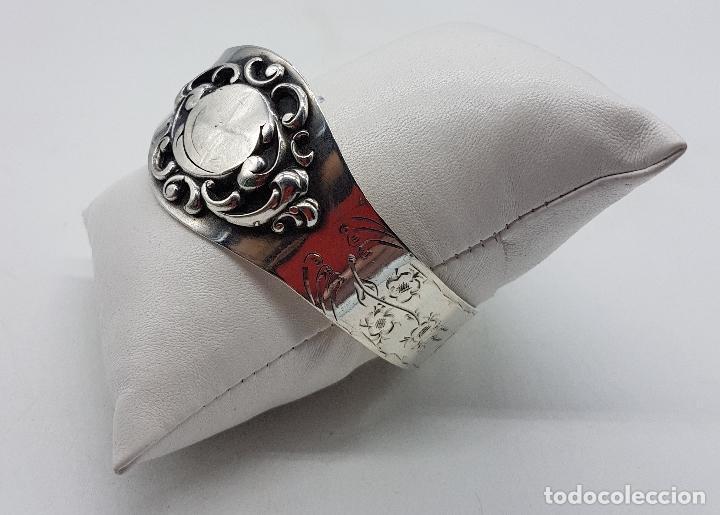 Joyeria: Brazalete antiguo de estilo Victoriano en plata de ley bellamente cincelado a mano . - Foto 6 - 128140787
