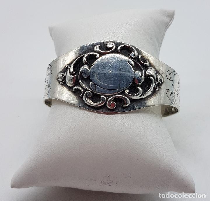 Joyeria: Brazalete antiguo de estilo Victoriano en plata de ley bellamente cincelado a mano . - Foto 7 - 128140787
