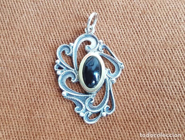 Joyeria: Precioso colgante en plata, azabache y oro. Artesanía Galicia. Silver pendant. - Foto 2 - 128803483