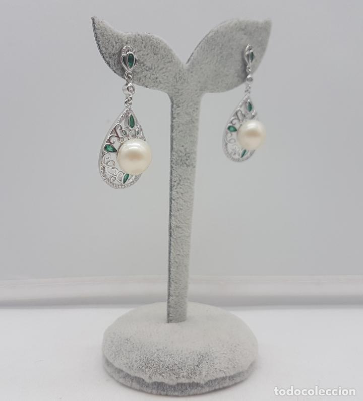 Joyeria: Pendientes de estilo rococó en plata de ley, esmeraldas talla pera y gran perla natural . - Foto 2 - 136745533